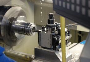 Изготовление детали на токарном автомате с ЧПУ: много, быстро, качественно. Мадис. Металлообработка на заказ по чертежам заказчика.