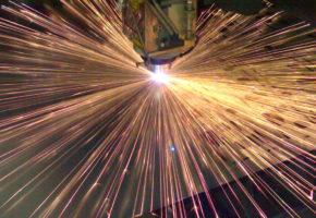 Лазерная резка металла - преимущества и достоинства метода. Мадис. Металлообработка на заказ по чертежам заказчика.