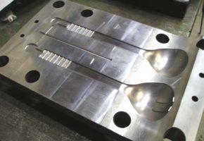 Штампы и пресс-формы для металла. Мадис. Металлообработка на заказ по чертежам заказчика.
