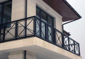 Металлические ограждения для балконов и террас. Мадис. Металлообработка на заказ по чертежам заказчика.